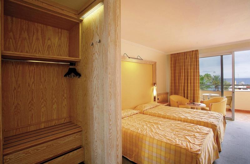 Hotelzimmer mit Golf im Corallium Dunamar by Lopesan Hotels