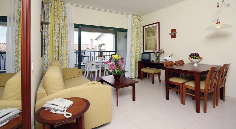 Hotelzimmer mit Mountainbike im Valentin Son Bou Hotel & Apartements