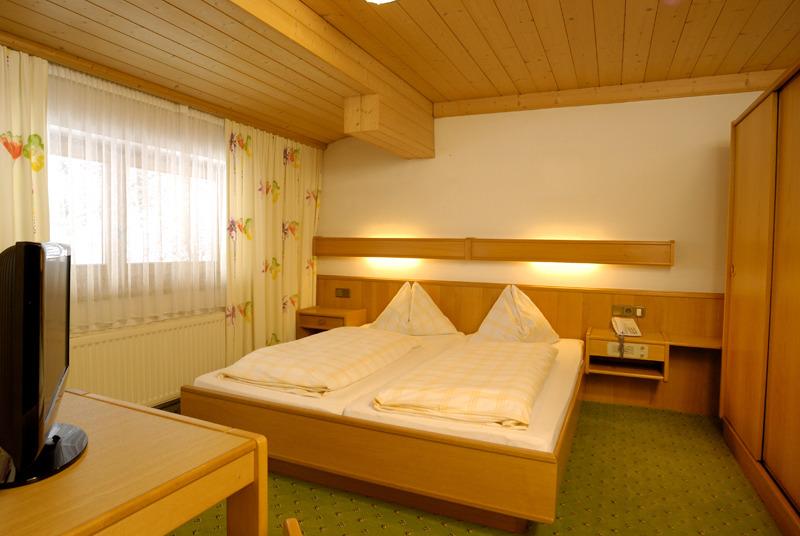 Hotelzimmer im Hotel Alpenblick günstig bei weg.de