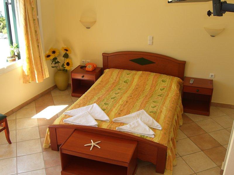 Hotelzimmer mit Funsport im Pyrgos Beach