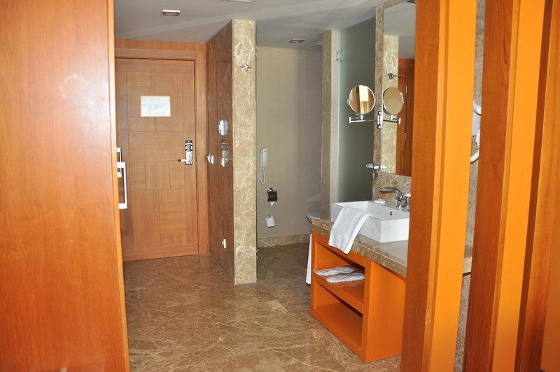 Hotelzimmer mit Volleyball im Sensimar Belek Resort & Spa