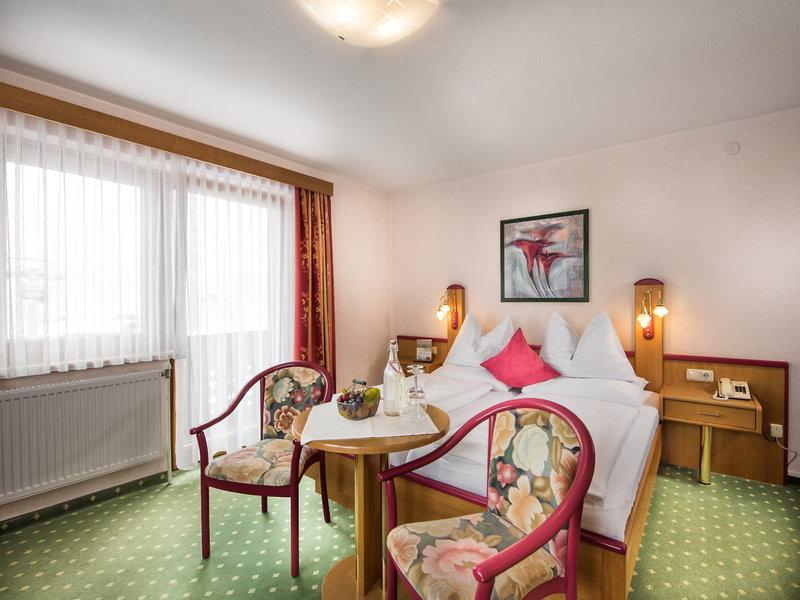 Hotelzimmer mit Spielplatz im Burgfellnerhof