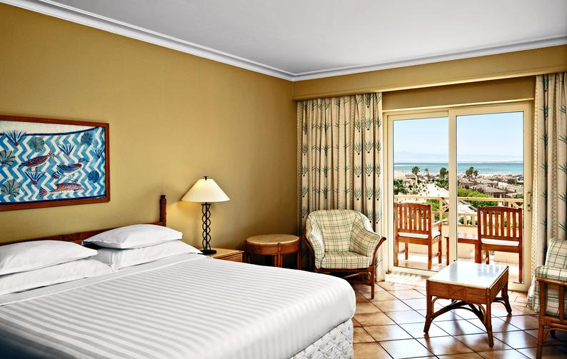 Hotelzimmer mit Mountainbike im Sheraton Soma Bay Resort