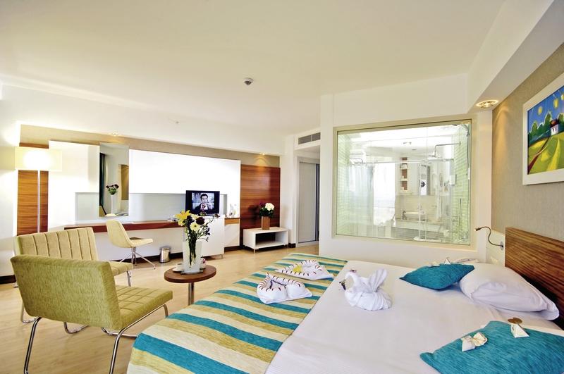 Hotelzimmer mit Volleyball im sunis Evren Beach Resort Hotel & SPA
