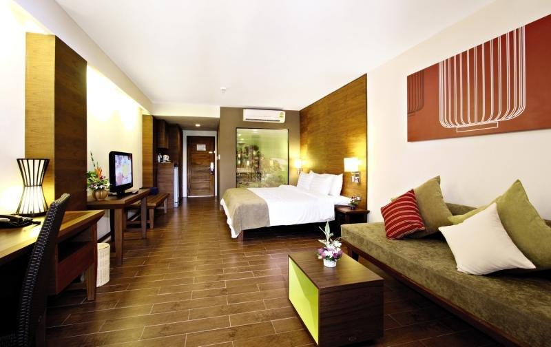 Hotelzimmer mit Yoga im Kamala Beach Resort a Sunprime Resort