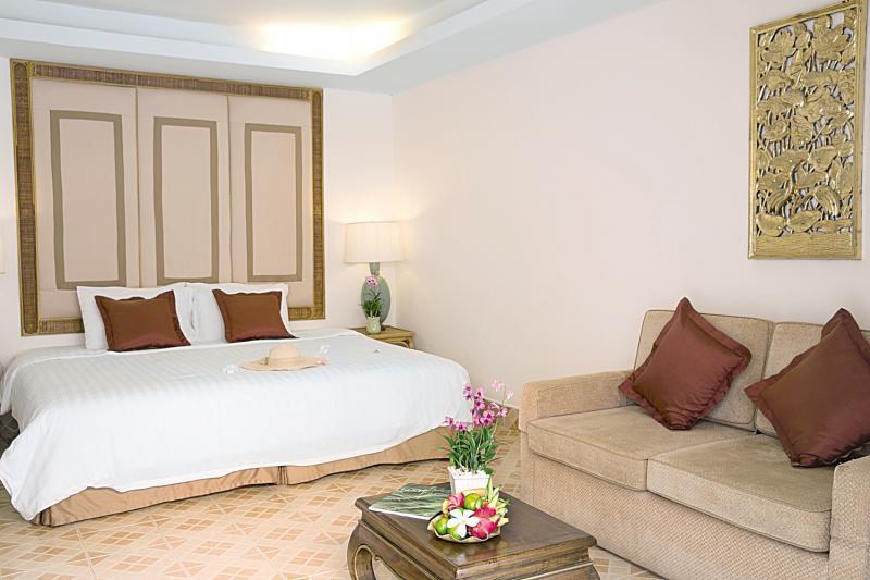 Hotelzimmer mit Tischtennis im Samui Palm Beach Resort