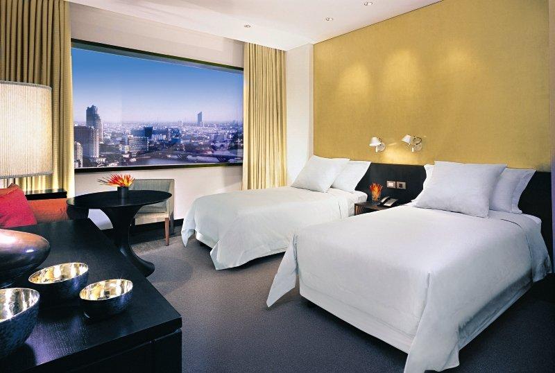 Hotelzimmer mit Yoga im Millennium Hilton Bangkok