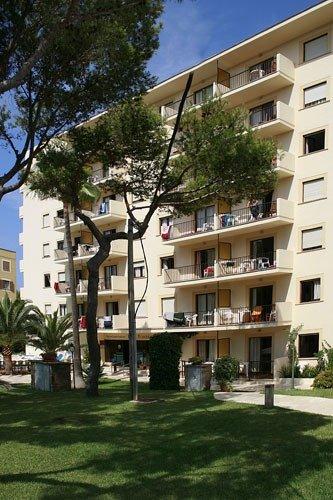 Hotel Tres Torres günstig bei weg.de buchen - Bild von LMX Live