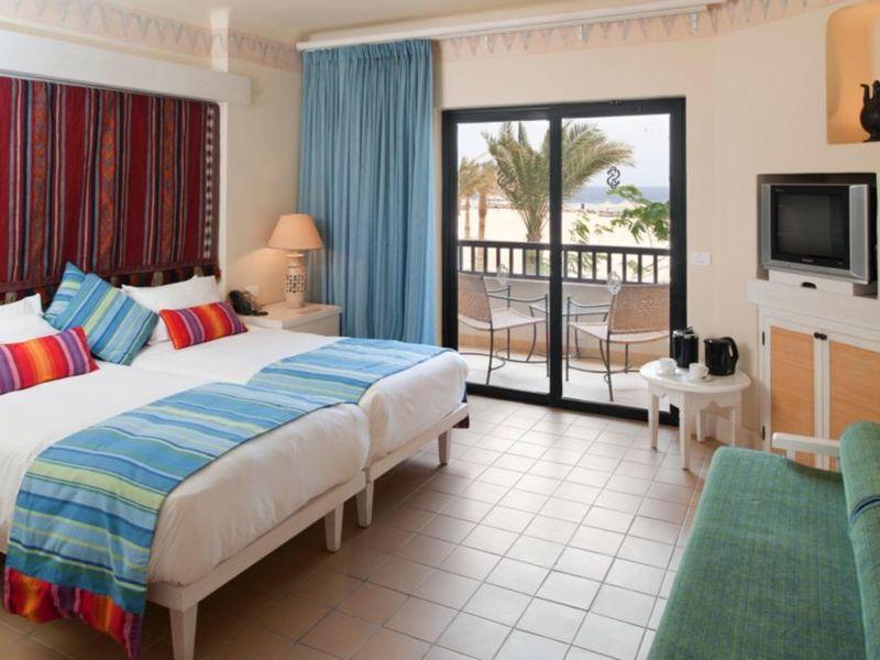Hotelzimmer mit Minigolf im Red Sea Hotels Port Ghalib