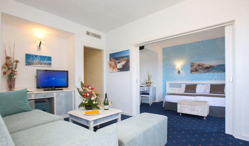 Hotelzimmer mit Minigolf im allsun Hotel Cristobal Colon
