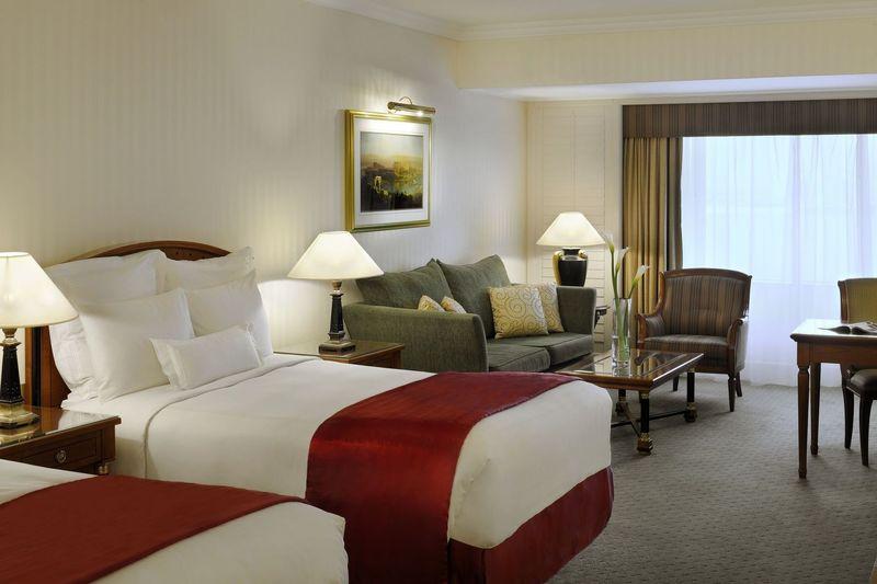 Hotelzimmer mit Fitness im JW Marriott Hotel Dubai