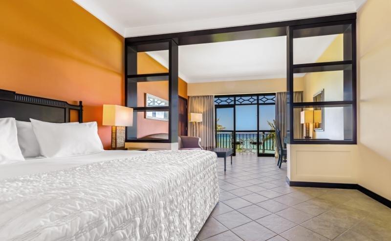 Hotelzimmer mit Yoga im Le Meridien Ile Maurice