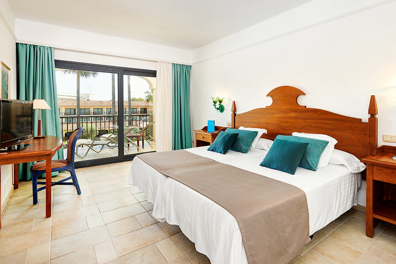 Hotelzimmer mit Mountainbike im SENTIDO Mallorca Palace