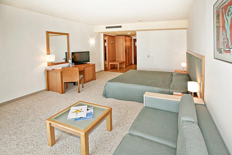 Hotelzimmer mit Minigolf im Iberostar Sunny Beach Resort