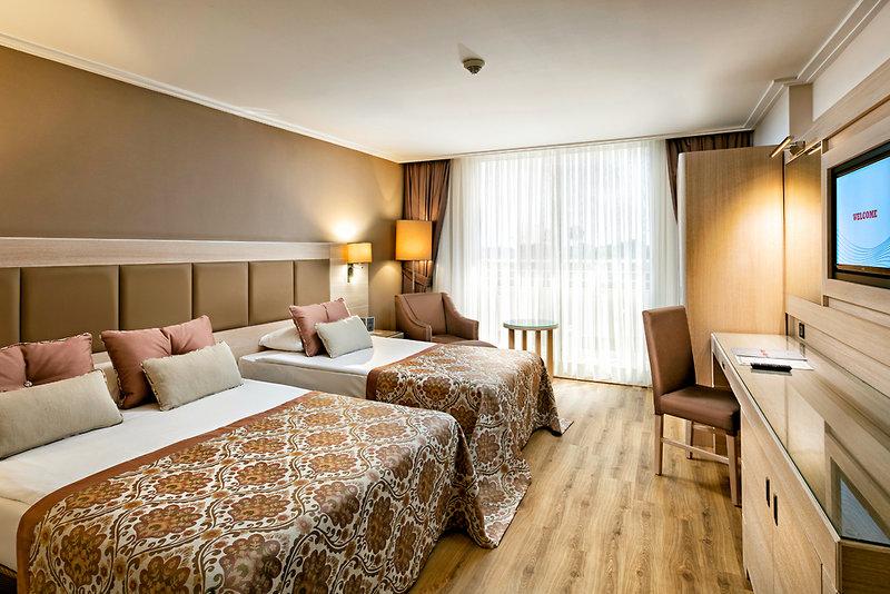 Hotelzimmer mit Minigolf im Miracle Resort