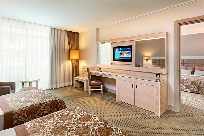Hotelzimmer im Miracle Resort günstig bei weg.de