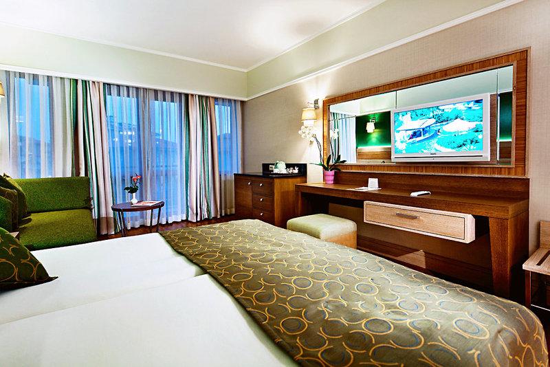 Hotelzimmer mit Volleyball im Club Grand Side
