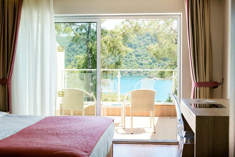 Hotelzimmer mit Volleyball im SENTIDO Orka Lotus Beach