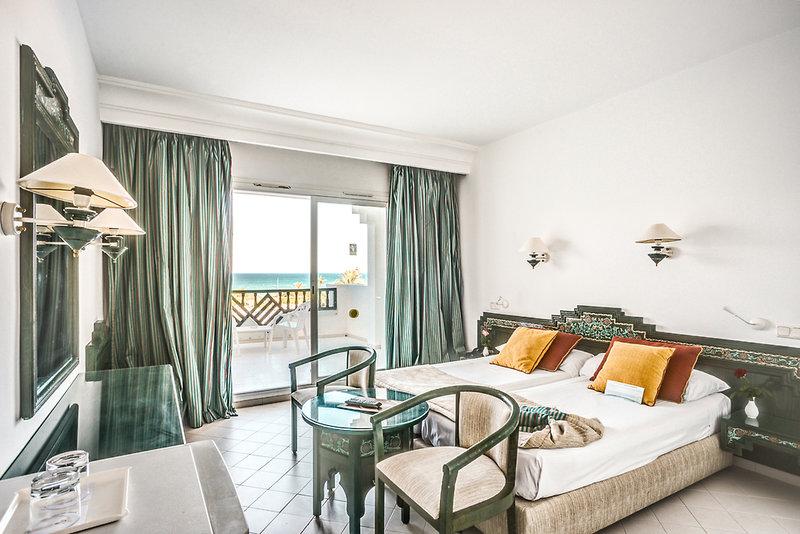 Hotelzimmer mit Volleyball im One Resort El Mansour