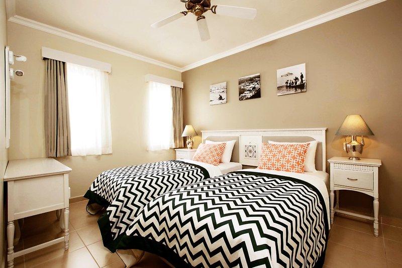 Hotelzimmer mit Tischtennis im SENTIDO Marina Suites