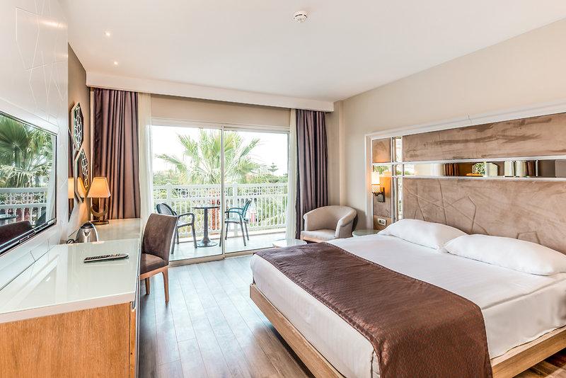 Hotelzimmer mit Volleyball im Swandor Hotel & Resort Topkapi Palace