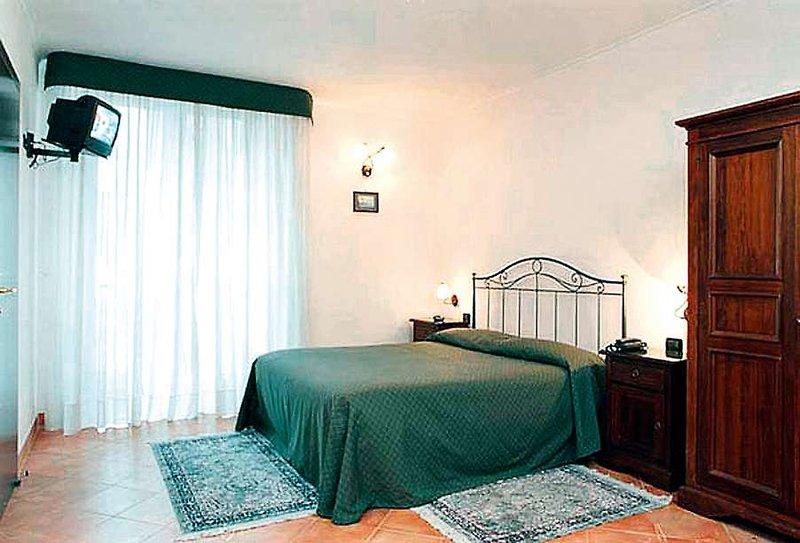 Hotelzimmer mit Kinderbetreuung im Neapolis