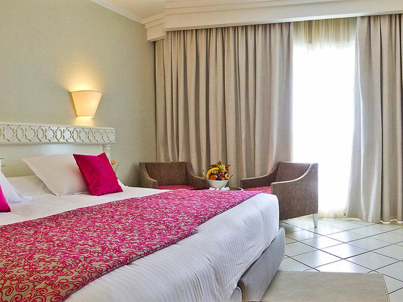 Hotelzimmer mit Mountainbike im El Mouradi - Palm Marina