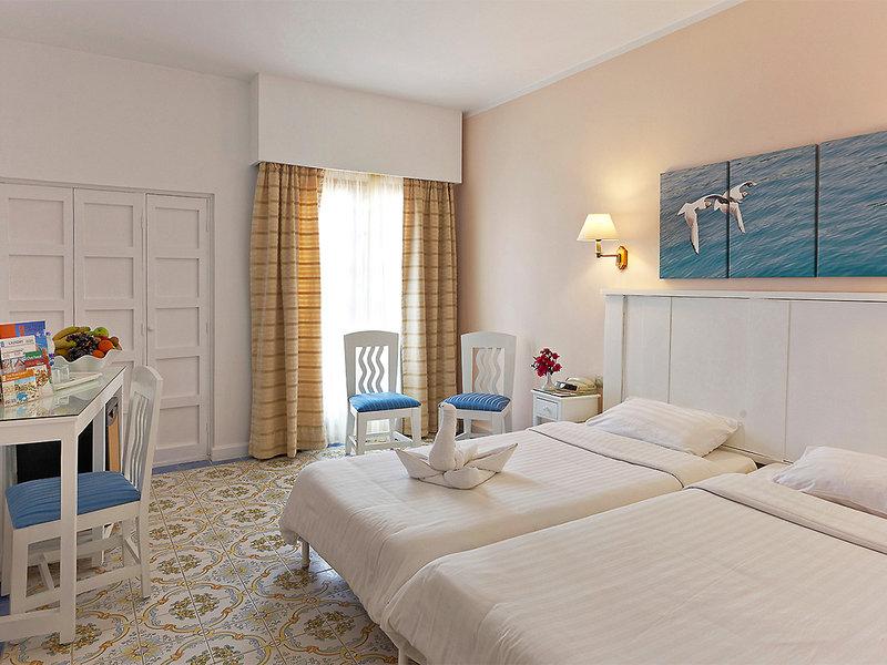Hotelzimmer mit Volleyball im Three Corners Rihana Inn