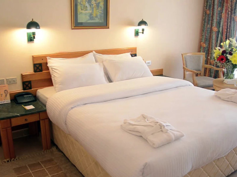 Hotelzimmer im Sindbad Beach Resort günstig bei weg.de