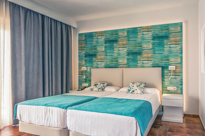 Hotelzimmer mit Yoga im Aldiana Club Costa del Sol