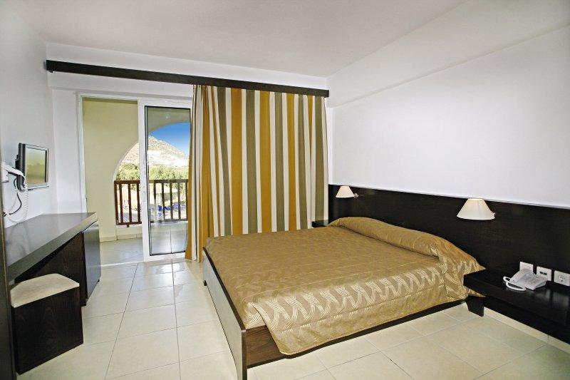 Hotelzimmer im Akti Beach Club günstig bei weg.de