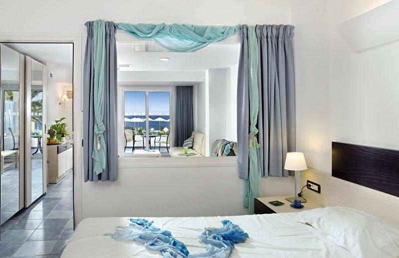 Hotelzimmer mit Golf im Paradise Village