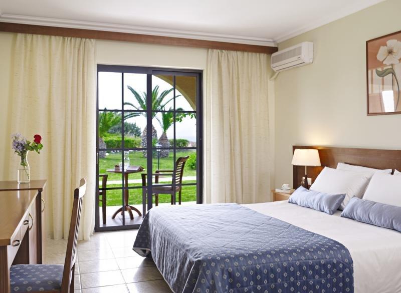 Hotelzimmer im Atlantica Porto Bello Beach günstig bei weg.de