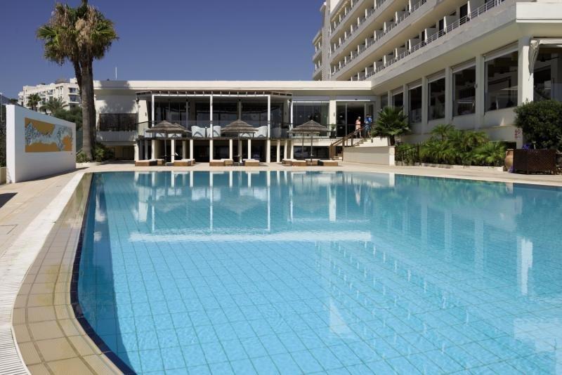 Capo Bay Hotel in Zypern Süd - Bild von FTI Touristik
