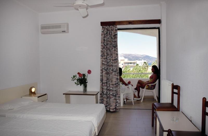 Hotelzimmer mit Golf im Livadi Nafsika Hotel