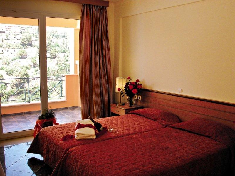 Hotelzimmer im Ithea Suites Hotel günstig bei weg.de