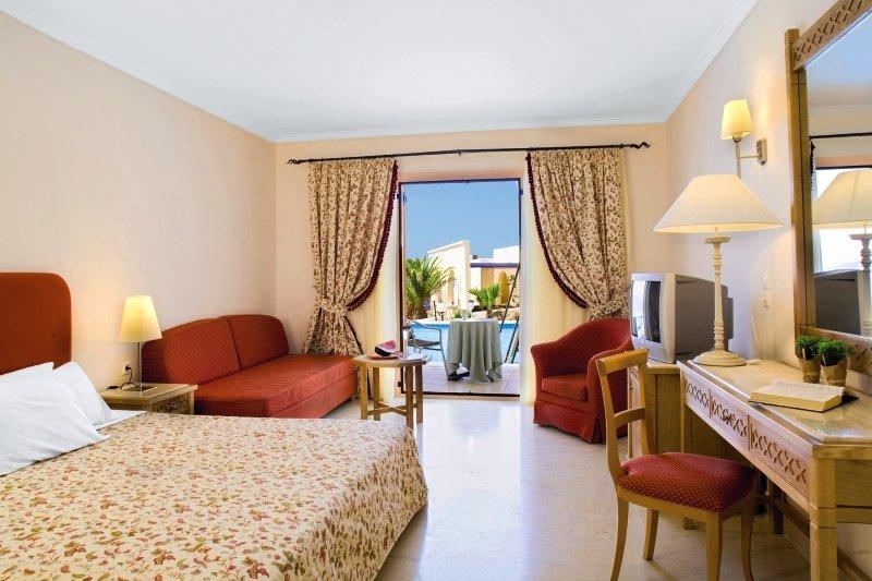 Hotelzimmer mit Mountainbike im Mitsis Family Village Beach Hotel