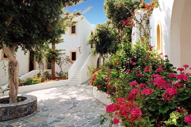 Hotel Hersonissos Village günstig bei weg.de buchen - Bild von FTI Touristik