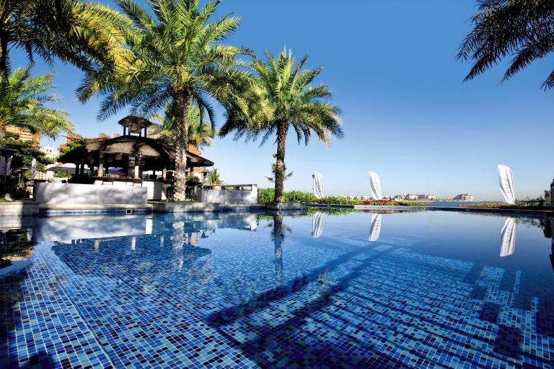 Mövenpick Hotel Jumeirah Lakes Towers in Dubai - Bild von FTI Touristik