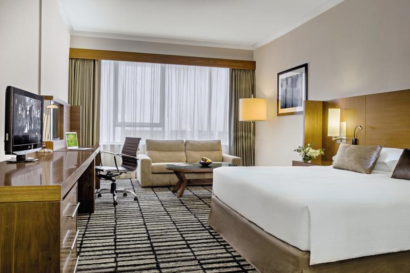 Hotelzimmer mit Fitness im Jumeira Rotana