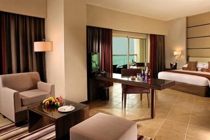 Hotelzimmer mit Fitness im Khalidiya Palace Rayhaan by Rotana