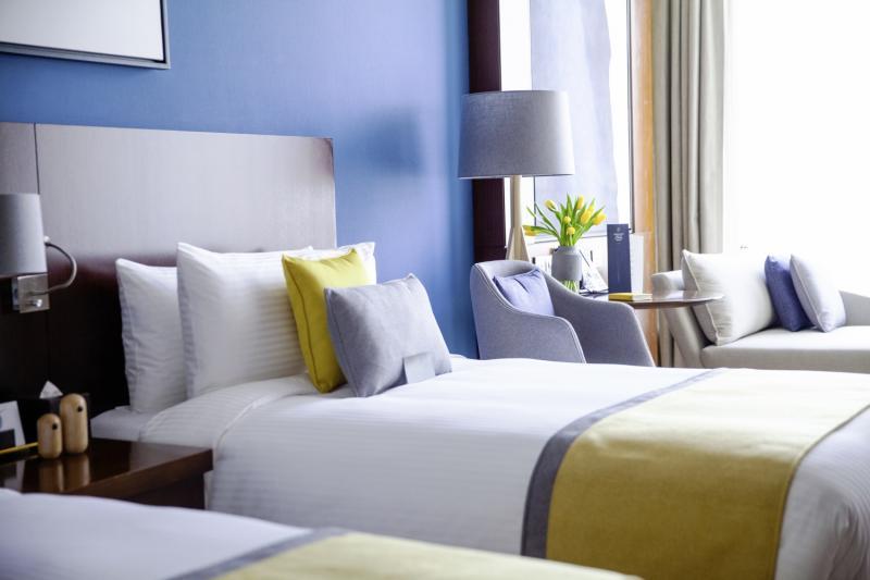 Hotelzimmer mit Kinderbetreuung im Voco Dubai