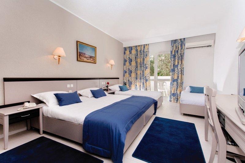Hotelzimmer mit Mountainbike im El Mouradi Club Selima