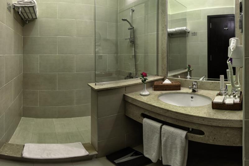Hotelzimmer mit Mountainbike im Jaz Makadi Oasis Resort & Club