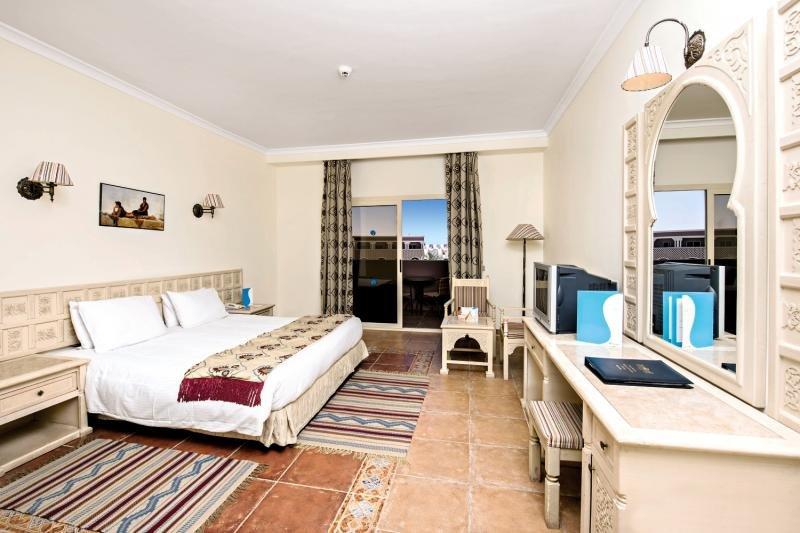 Hotelzimmer mit Volleyball im SUNRISE Select Mamlouk Palace Resort