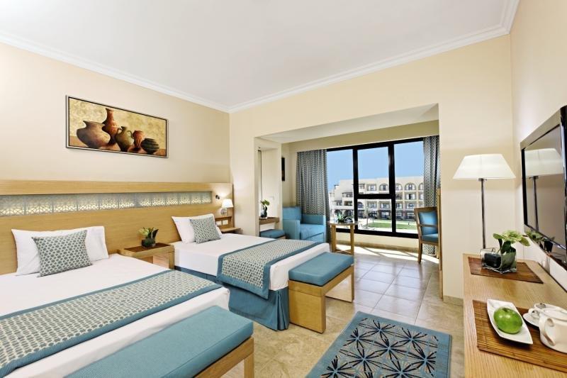 Hotelzimmer im Mövenpick Resort Soma Bay günstig bei weg.de
