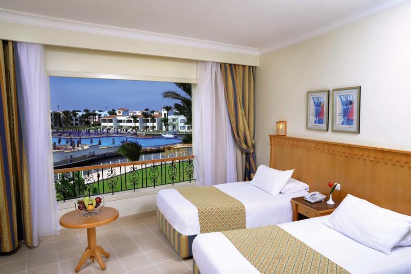 Hotelzimmer im Dana Beach Resort günstig bei weg.de