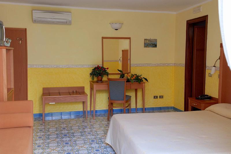 Hotelzimmer mit Clubs im Amalfi