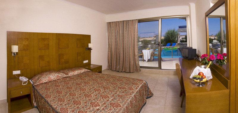 Hotelzimmer mit Tennis im Lutania Beach Hotel