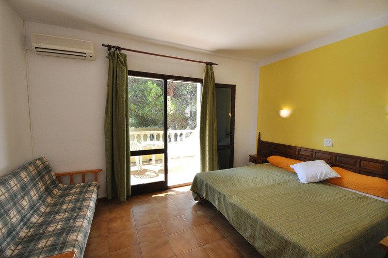 Hotelzimmer mit Tennis im Don Carlos Hostal